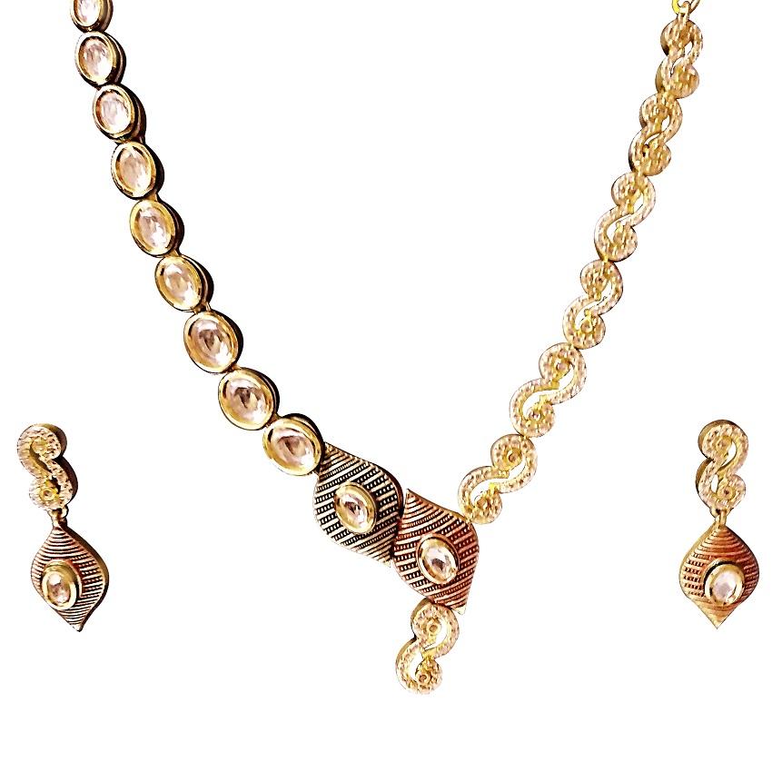 ARU Necklace Set - UNIQUE COMBINATION OF AMERICAN DIAMONDS AND STONE SETTING